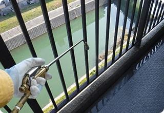 ハトなどの糞害対策 清掃・消毒イメージ3