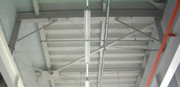 工場・倉庫などでの鳥害対策写真その1