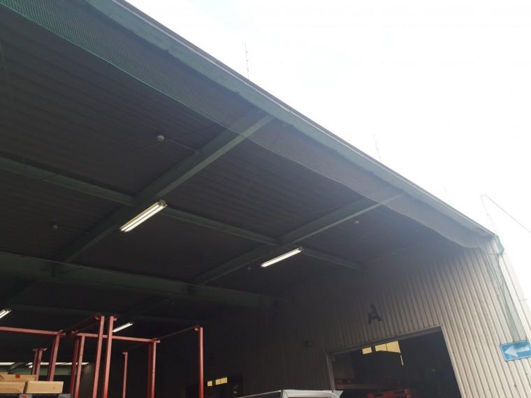 倉庫出入口ネット設置工事 施工写真その5