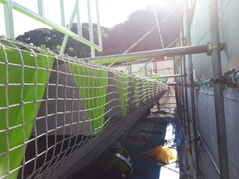 防鳥ネット設置工事 施工写真その1